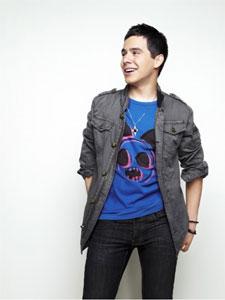 デヴィッド・アーチュレッタ、難病を克服した18歳の天才歌手が ...