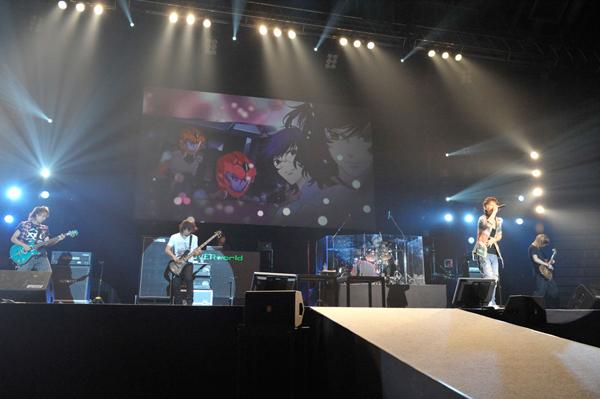 """UVERworld, """"Gundam 00"""" P7"""