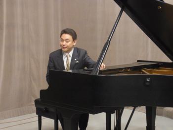 ピアノ を 弾き 続ける ギネス