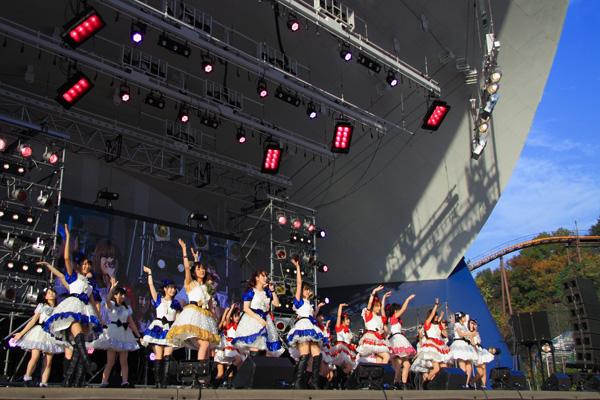 <ハロー!プロジェクト☆フェスティバル2011>にファン殺到し、会場を埋め尽くす
