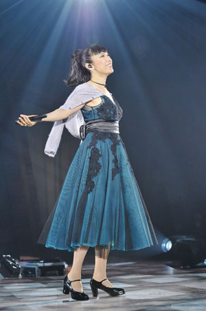 """松任谷由実、32回目の苗場ライヴ開幕、2012年のテーマは""""客船"""""""