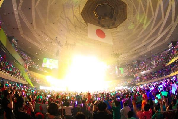 モーニング娘。・新垣里沙と光井愛佳が卒業。涙混じりの「楽しかった人ーッ!!」に1万人が大歓喜