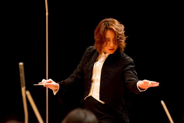西本智実【特別インタビュー】女性指揮者が開く前人未踏の新たな ...