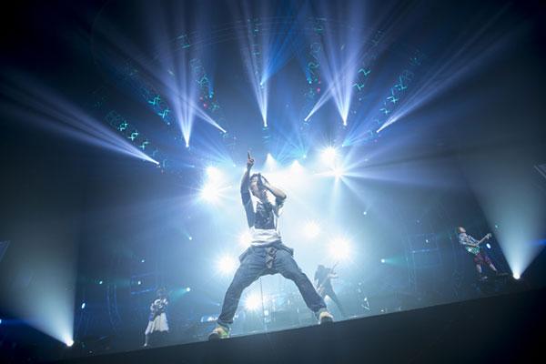 <uverworld Arena Live 2013>横浜アリーナ【画像集】 Barks
