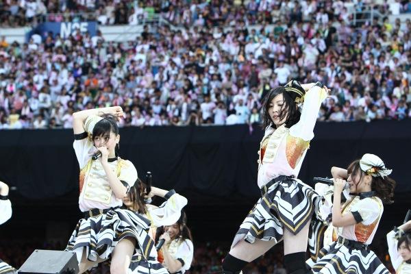 SKE48、新曲「美しい稲妻」を日産スタジアムで初歌唱