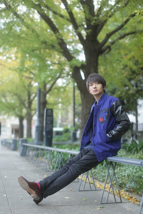 http//img.barks.jp/image/review/1000096889/nissy1_s