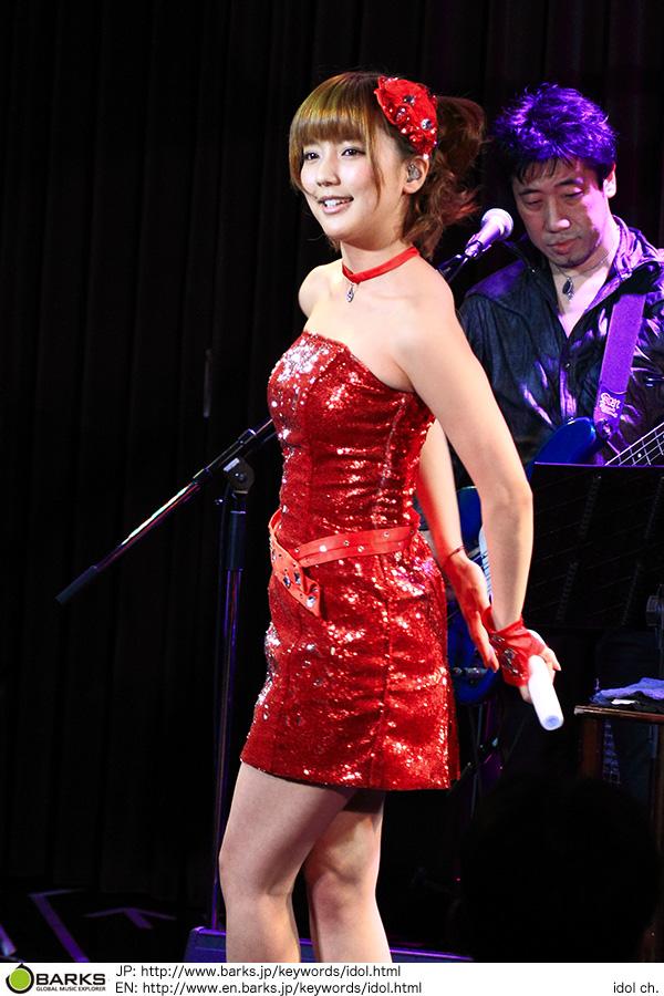 【イベントレポート】真野恵里菜が初のディナーショー。