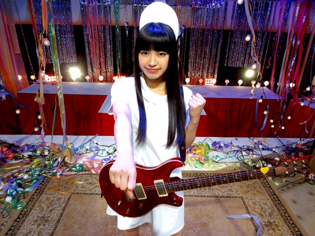 miwa、ナース姿でロック披露。「fighting -φ-girls」MV公開
