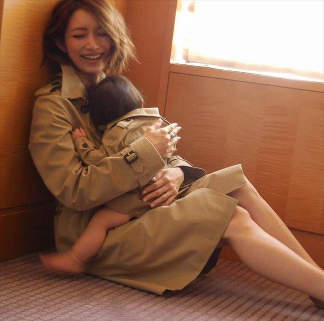 後藤真希、愛娘と幸せいっぱいのペアルック
