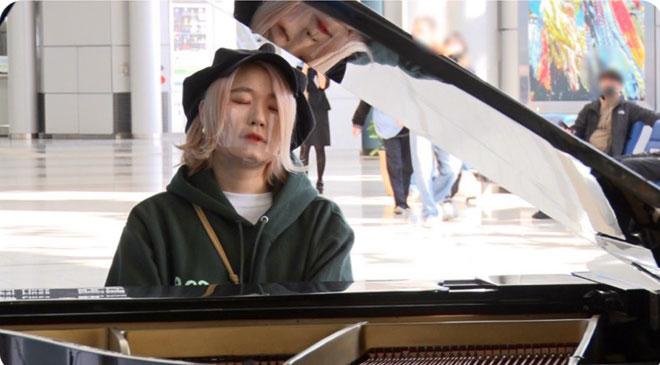 ハラミちゃん 『FNS歌謡祭』ハラミちゃんのピアノ伴奏に不快感「GACKTが歌いにくそう」