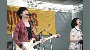 東京カランコロン、新宿タワレコ屋上でライブ実施