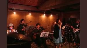 Misaco + Otherz、シロクマが笑顔になるまで歌い続ける