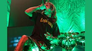 ラム・オブ・ゴッドのランディー・ブライズ、ライブ中にファンを死に至らせた容疑で起訴