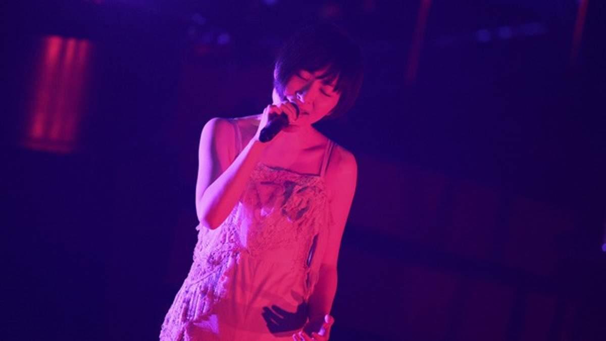 坂本真綾、ライブツアー完走、「たった1人のためのたった1曲だけのライブ」も実施 | BARKS