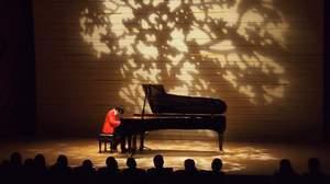 【ライブレポート】ソノダバンドの園田涼、ピアノソロコンサートで見せた新たな表情