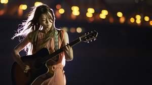 片平里菜、デビューシングルが全国47局ものラジオ&CS局でパワープレイ中