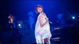 大塚 愛、10尽くしの10周年記念ライブ。「全員と目を合わそうと思います。目をそらすなよ!」