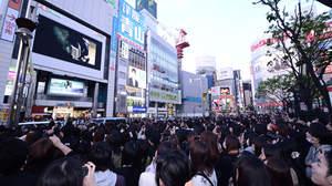 PIERROT、復活発表に新宿アルタ前の7000人が歓喜