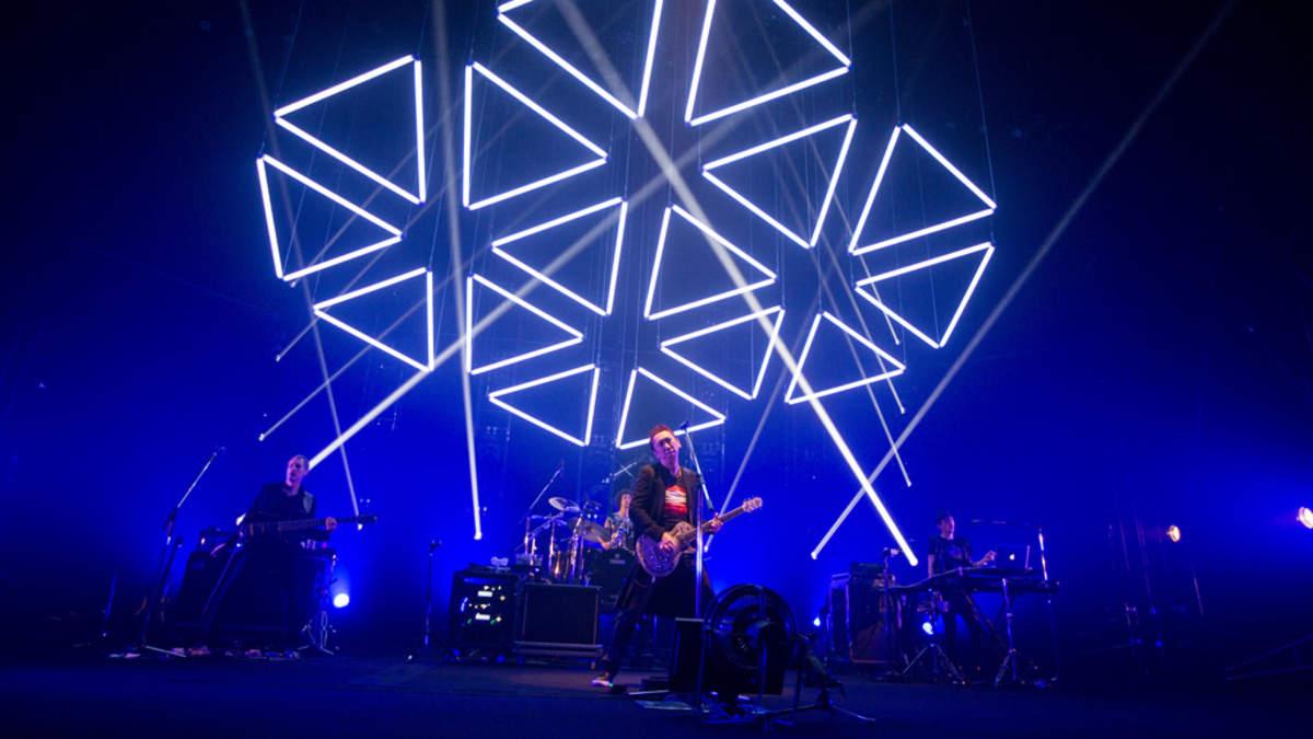 布袋寅泰、光と音による魔法のロックショー、放送決定