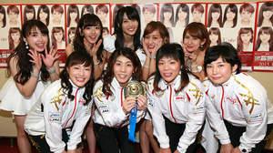 ℃-uteのライブに吉田沙保里ら登場。金メダルに大興奮。「舞美ちゃん絶対落とさないでよ!」