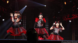 BABYMETAL、初の東京ドーム公演2日目<BLACK NIGHT>2017年 元旦オンエア