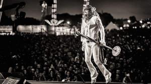 【ライブレポート】スティーヴン・タイラー、大きな愛を共有している心地にさせる圧巻のソロ・ライブ@ロサンゼルス