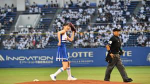 モーニング娘。'17 牧野真莉愛、始球式でノーバン達成「100億点です!」