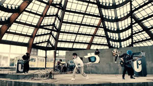 UVERworld、「DECIDED」MVはそれぞれの決意をイメージ