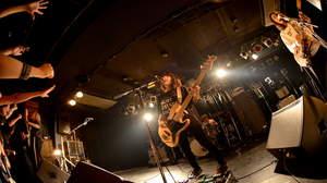 【ライブレポート】tricot、関西オルタナ勢が集結した主催イベントはどれほど熱狂的な一夜だったのか!?