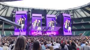 ザ・ローリング・ストーンズ、UKツアー最終日にジェイムス・ベイと共演
