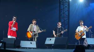 コブクロ2人ツアーのシークレットゲストにゆず登場、ステージ初コラボで「いつか」「夏色」