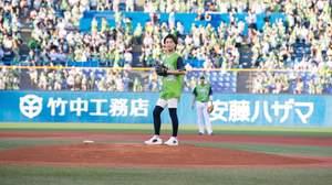 氷川きよし、3年連続となる神宮球場始球式&「勝負の花道」新タイプ発売