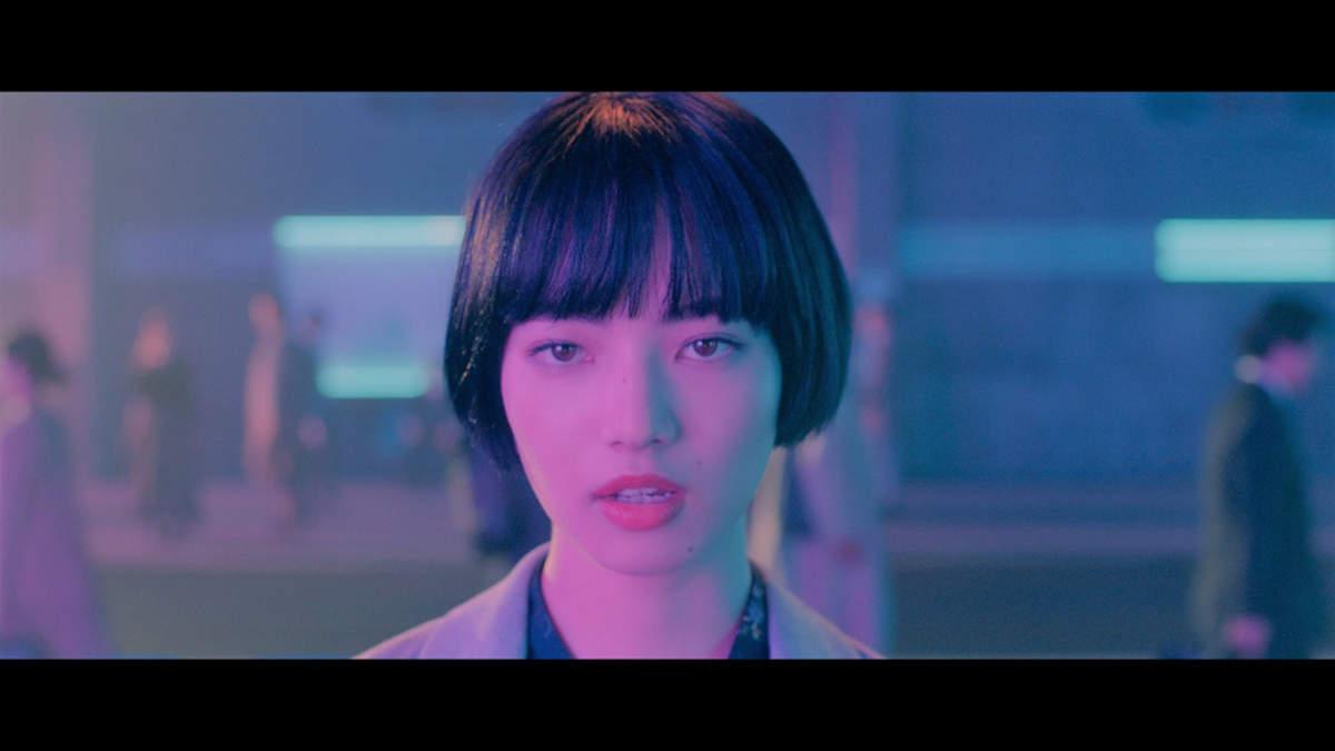 小松菜奈出演、JUJU×松尾潔×小林武史「メトロ」MV公開