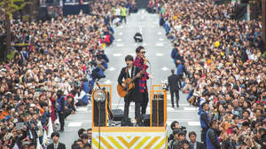 コブクロ、結成の地・大阪で史上最大のストリートライブ