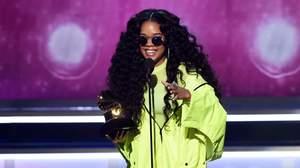 グラミー賞、H.E.R.が最優秀R&Bアルバムを受賞