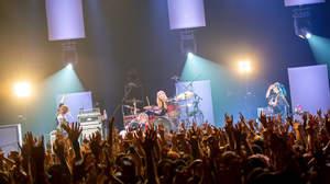 """""""日替わり""""セットリストの全国ツアーを終えたSCANDAL、対バンツアー発表"""