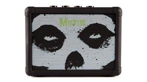 BLACKSTARの人気ミニギターアンプにミスフィッツ公認の限定モデルが登場「FLY3 BLUETOOTH MISFITS」