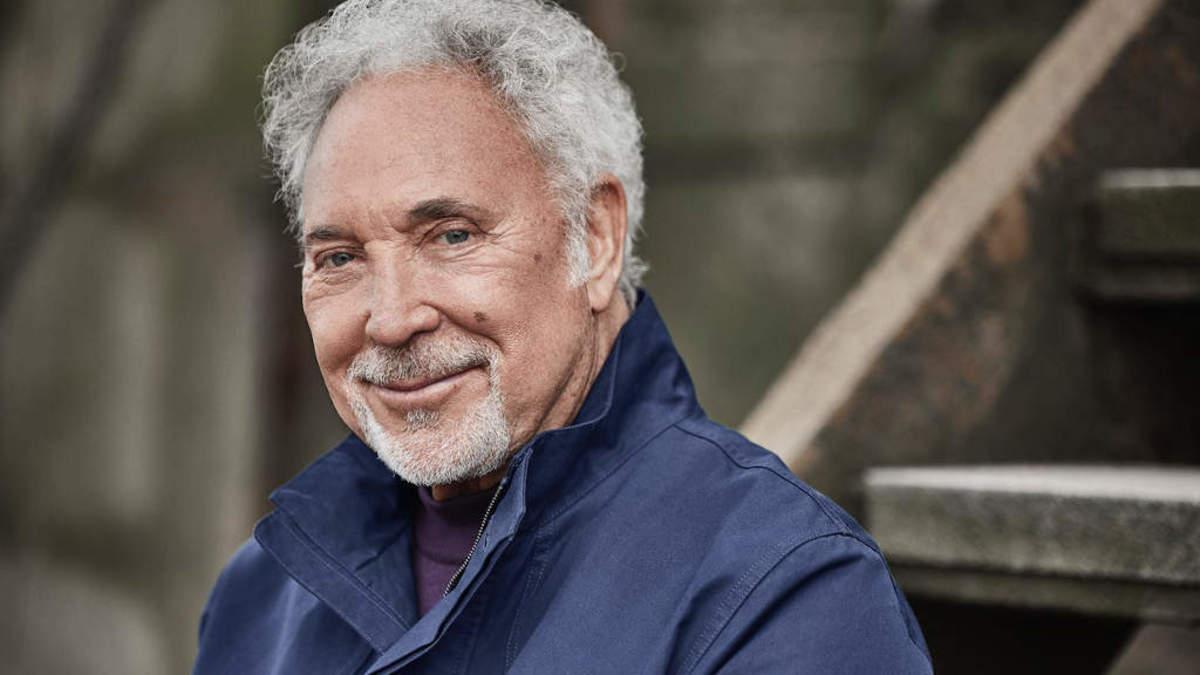 全英アルバム・チャート、トム・ジョーンズが男性アーティスト最高齢で1位
